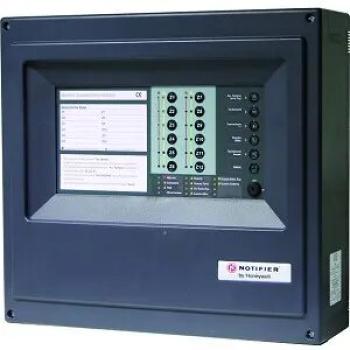 Sistema central de detecção de incêndio microprocessado com 12 zonas.