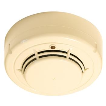 Detector de fumaça óptico convencional recomendado para incêndios que evoluem lentamente, com partículas de fumaça visíveis